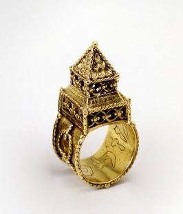 Wedding Rings Germany and Italy, 17th century Engraved, filigree, and enameled gold The Stieglitz Collectionwas donated to the Israel Museum, Jerusalem, with the contribution of Erica and Ludwig Jesselson, New York, through the American Friends of the Israel Museum